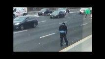 Une pluie de billets provoque accidents et bouchons sur une autoroute américaine