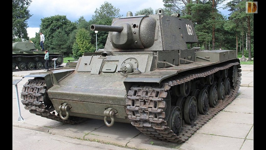 Blindés-46-SMK,T100,KV-1, KV85 et KV-2