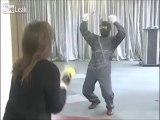 Taser Japonnais : le canon à filet pour se protéger !