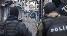 Diyarbakır'da Teröristlerle Güvenlik Güçleri Arasında Çıkan Çatışmada 2 Polis Yaralı