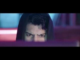 Essa Almarzoug - Thamen Ajeba (Official Music Video)   عيسى المرزوق - ثامن عجيبه - الكليب الرسمي