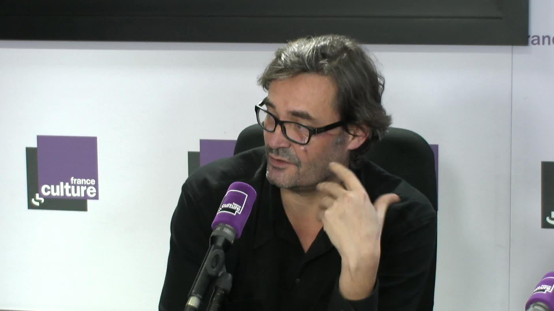 """Sébastien Ledoux : """"Ces images, ces faits qui sont montrés  en boucle ne nous permettent pas de prendre de la distance"""""""