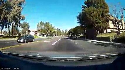 Ce conducteur sauve un enfant qui jouait seul sur la route !