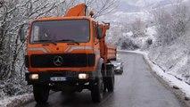 Vendi mbulohet nga bora, ja situata e rrugëve - Top Channel Albania - News - Lajme