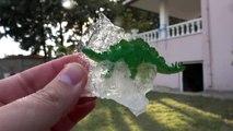 Dev Buz Kütlesinden Donmuş Dinozorları Çıkarıyoruz