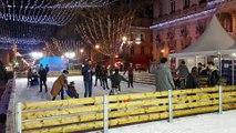 Grosse affluence pour la patinoire de la place de l'Horloge à Avignon