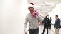 Barack Obama se déguise en père Noël pour la bonne cause