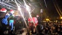 Lons-le-Saunier: le père Noël a distribué des papillottes