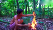 Vietnamese big brother wilderness food, a big water snake eats like this, netizen psychologically powerful