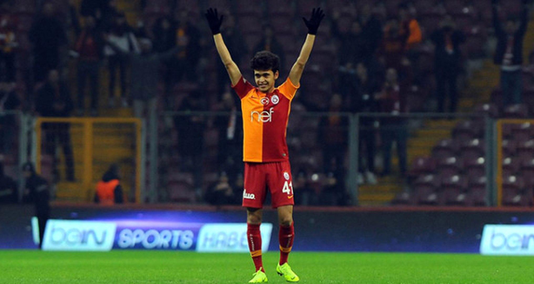 Galatasaray'ın 16 Yaşındaki Oyuncusu Mustafa Kapı Tarihe Geçti