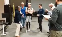 """فيديو: رائد فضاء أمريكي ينشر فيديو عقب عودته للأرض:""""يتعلم المشي من جديد"""""""