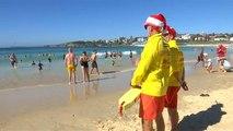 Sur une plage de Sydney ou à la messe de minuit... c'est Noël !