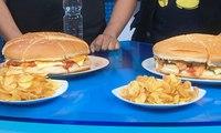 Sensasi Makan Burger Jumbo Berdurasi Kurang dari 10 Menit (Bag 2)