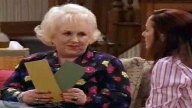 Everybody Loves Raymond S08E01 - Fun With Debra