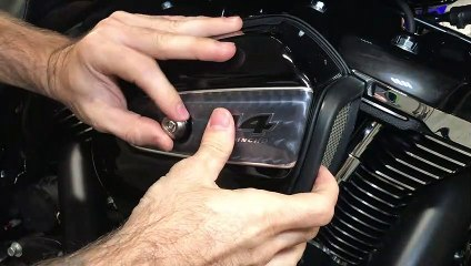 2019 Milwaukee-Eight 114 Air Cleaner Inspection And Replacement