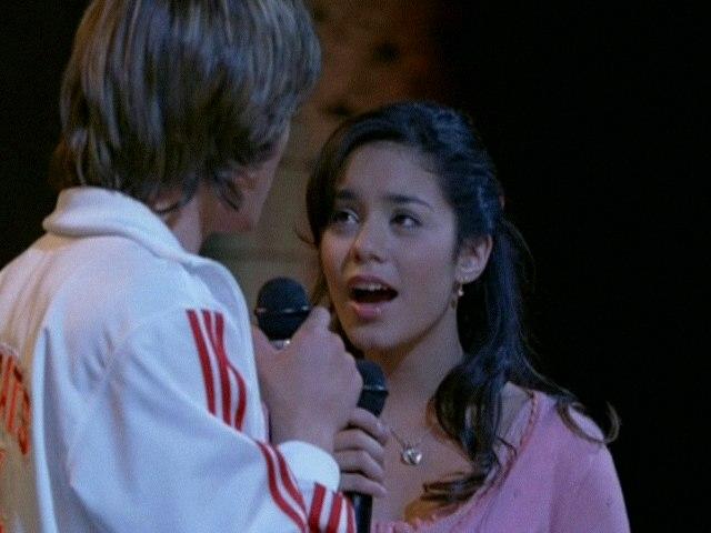 High School Musical Cast - Breaking Free
