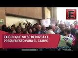 Campesinos bloquean acceso a la Cámara de Diputados