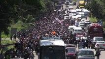 Migliaia di migranti continuano la marcia verso gli Stati Uniti