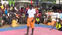 Arts martiaux: la marche sur des tessons de bouteille de Gohou Abraham
