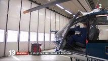 """Haute-Savoie : nez collé à la pente, pales au ras de la neige... Un pilote d'hélicoptère réalise un """"appui patin"""" lors d'un sauvetage en montagne"""