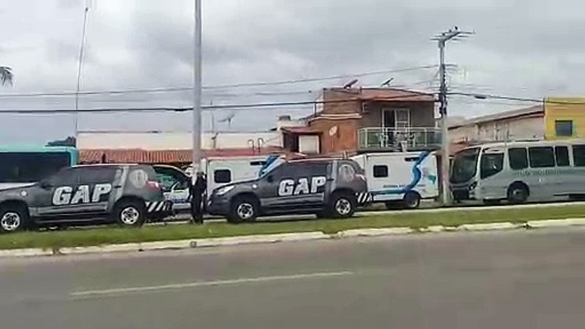Itapipoca: Detentos são transferidos da cadeia pública para unidades prisionais em Fortaleza