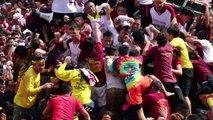 """Les catholiques philippins défilent avec le """"Nazaréen Noir"""""""