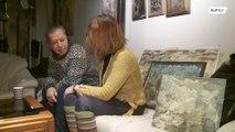 Artista sem-teto reencontra família após dois anos nas ruas