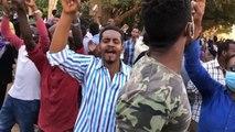 السودان.. مظاهرات معارضة للبشير وأخرى مؤيدة لنظامه