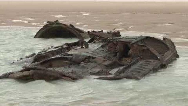 Francë, shfaqet në plazh një nëndetëse gjermane  - Top Channel Albania - News - Lajme