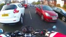 Ce motard éclate sa Ducati en doublant n'importe comment