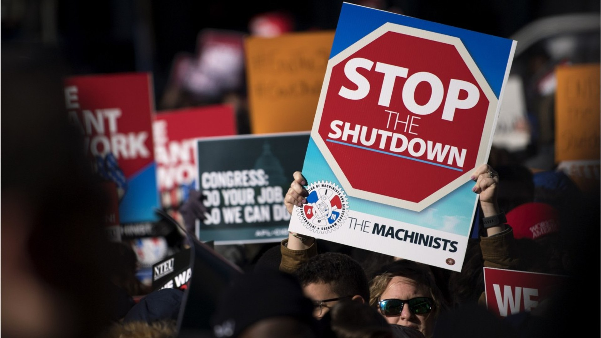 Government Accidentally Paid 32 Federal Employees During Shutdown