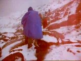 Tour du Mont Blanc Cascade sous la neige