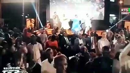 Pape Diouf fait danser Mareme Faye Sall