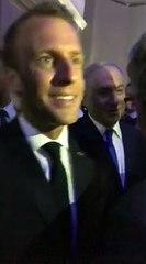 Mohamad Izzat Khatab discute avec Emmanuel Macron
