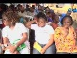 RTG - Le secrétaire général adjoint du PDG remet des lots de friperies aux jeunes