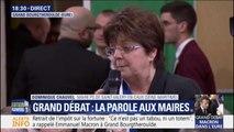 """""""Notre pays va dans le mur de l'intolérance et des extrémismes"""", la maire de Saint-Valéry-en-Caux, en Seine-Maritime, interpelle Emmanuel Macron"""