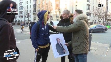 Des passants piégés dans la rue par Gilles Verdez et Andreas