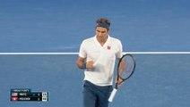 Federer breezes into last 16
