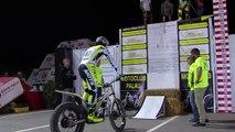 Record Guiness subida escalón vertical en moto de trial por Toni Bou ( 720 X 1280 )
