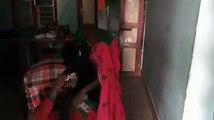 காதலியுடன் சேர்ந்து மனைவியை அடித்து உதைத்த கணவன் வீடியோ