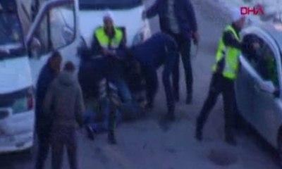 Sivas Haberleri: Polis aracına çarpıp kaçan sürücü, kovalamacayla yakalandı 46