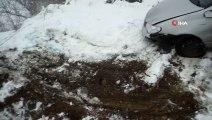 Kastamonu'da Trafik Kazası! Siste Kontrolden Çıkan Otomobil Tarlaya Uçtu: 3 yaral
