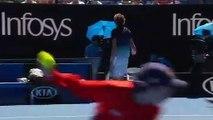 L'incroyable colère d'Alexander Zverev handles qui fracasse sa raquette