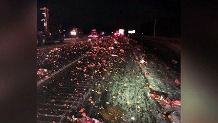 Apelsiner fyllde motorväg efter lastbilskrock