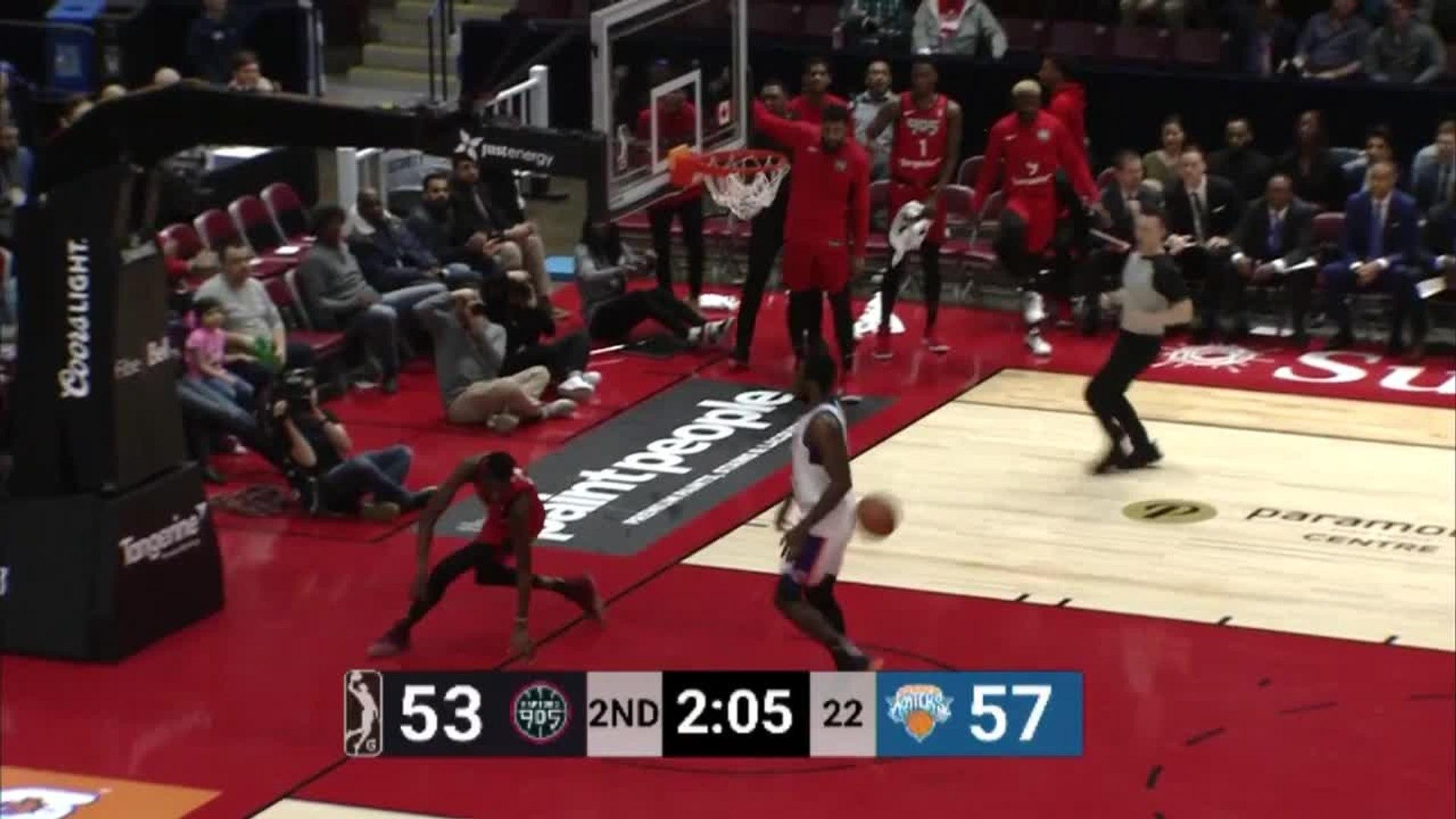 Big dunk from Chris Boucher