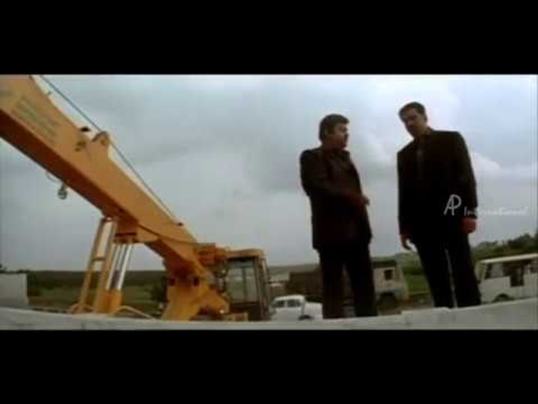 Arasangam Tamil Movie | Scenes | Vijayakanth stops the criminal  plan | Climax Scene