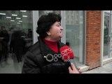 Ora News - Të moshuarit dhe të sëmurët në radhë për kartë identiteti