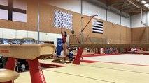 Jeanne, en premier, et Élisa, 12 ans, Acro-Gym Pays de Ploërmel