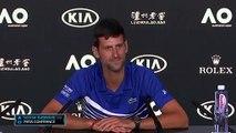 La séquence culte de Novak Djokovic en conférence de presse