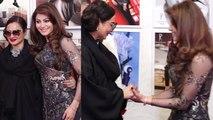 Urvashi Rautela posses with Rekha at Dabboo Ratnani Calendar 2019 launch; Watch Video | FilmiBeat